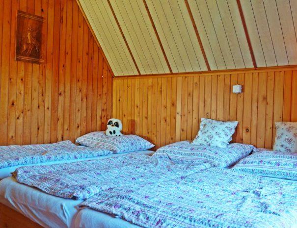 spalna_manzelska postel plus detska